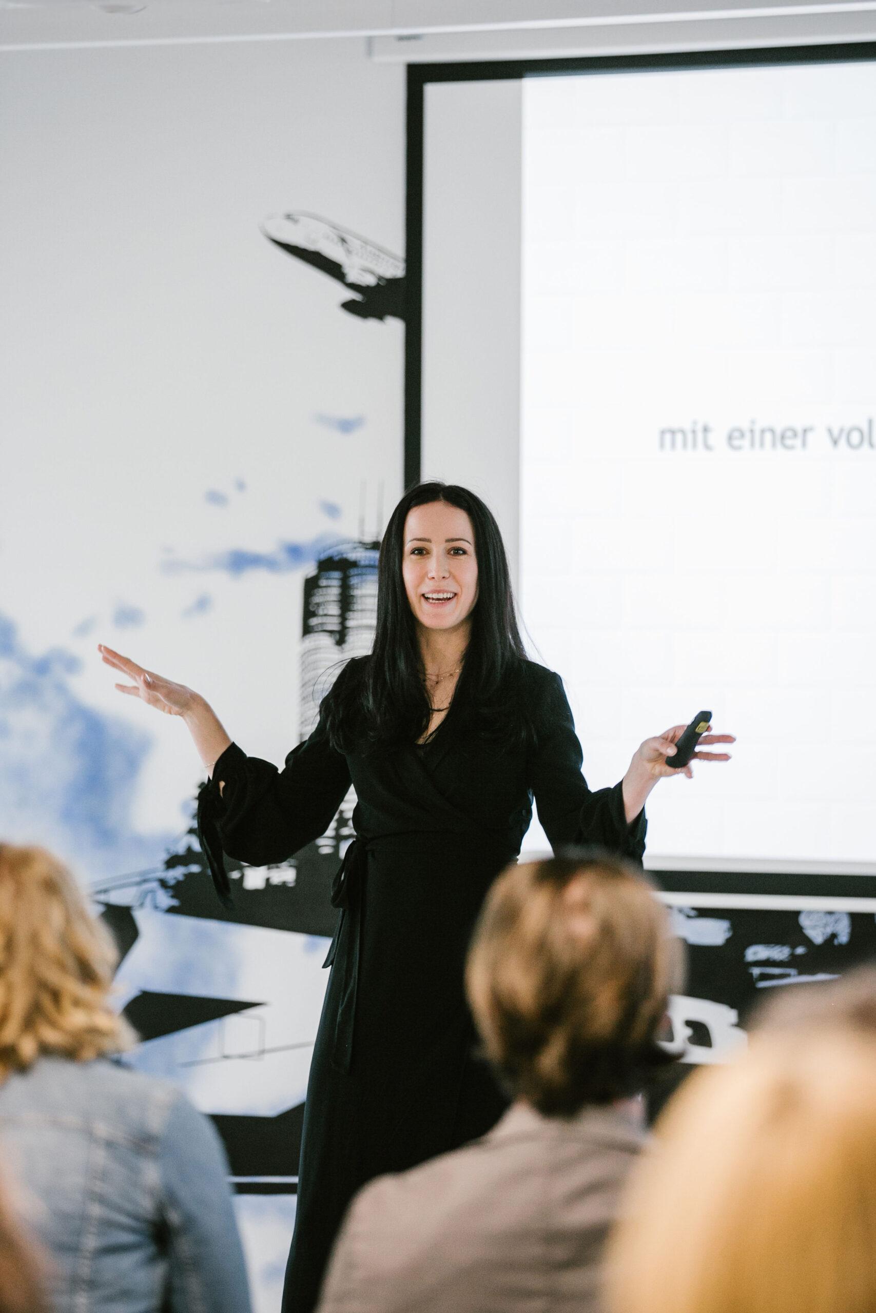 Kommunikationstrainerin-Kathrin-Hanzl